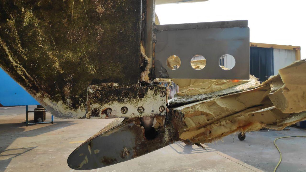 Así quedaron las embarcaciones atacadas por las orcas en Cedeira.Orcas el pasado viernes 5 de julio en Fisterra