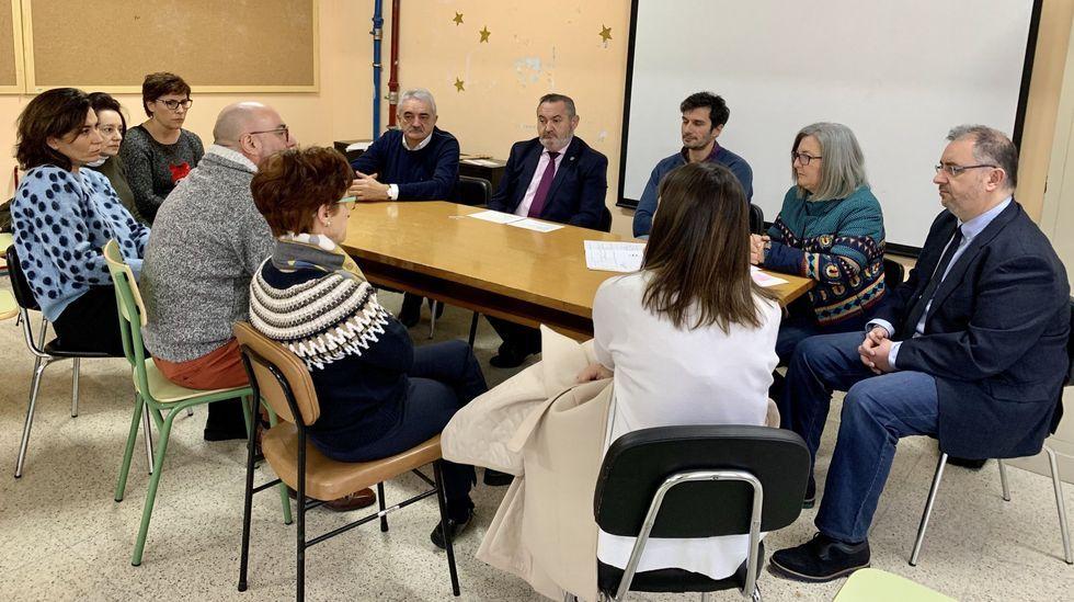 Reunión de la comunidad educativa con Balseiro y el alcalde, el pasado mes de mayo