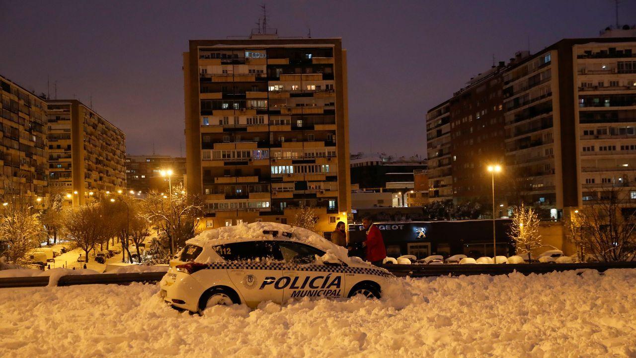 Coche de policía por Madrid este sábado