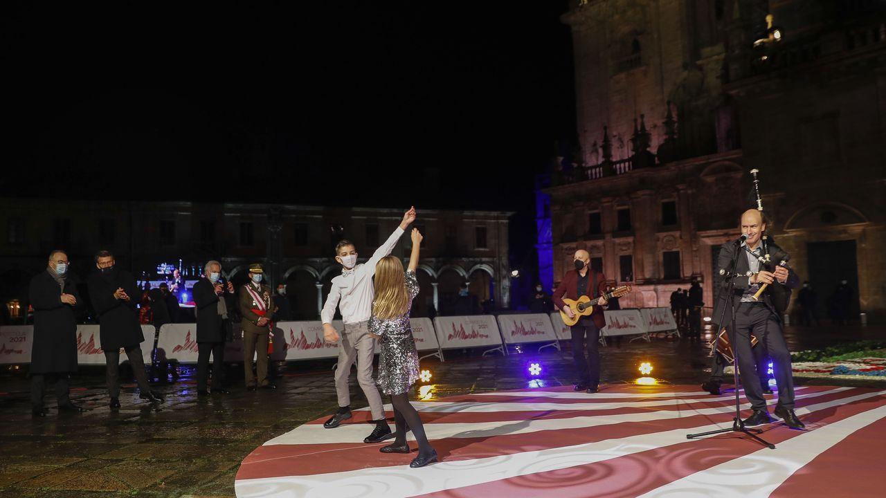 Pantallas gigantes con la retransmisión de los actos de apertura de la Puerta Santa.