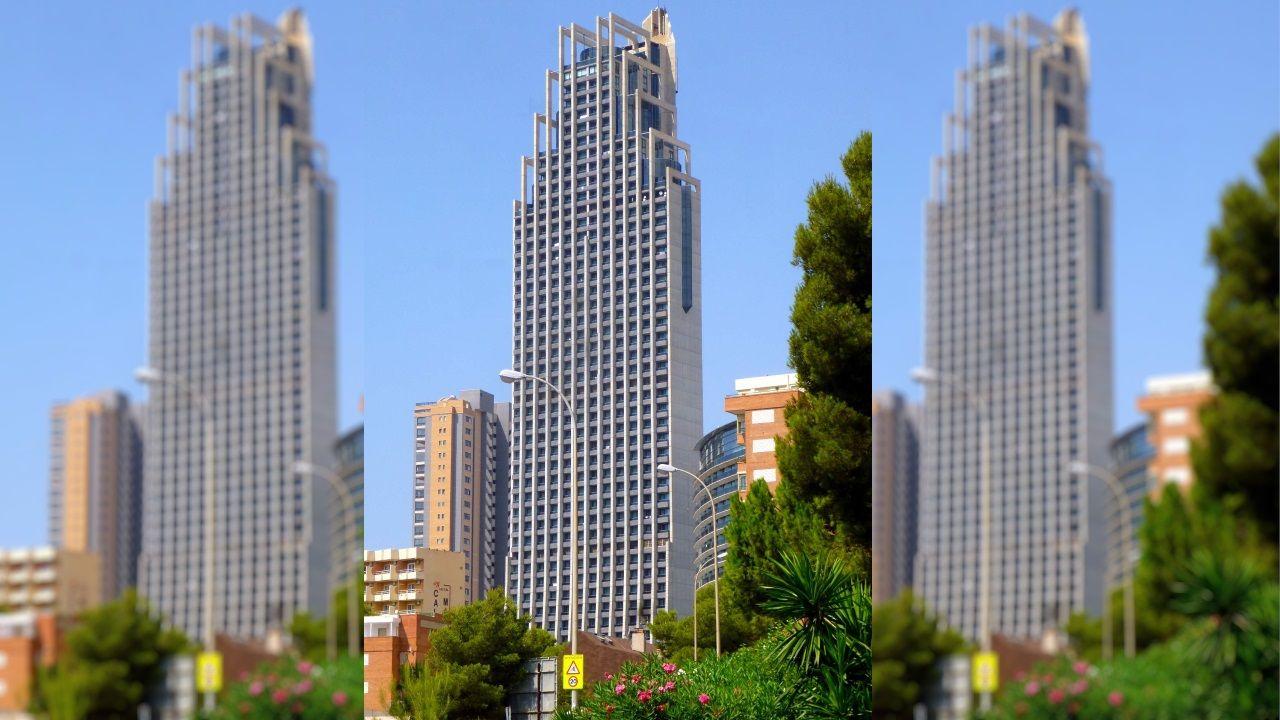GRAN HOTEL BALI (Benidorm) - Empata en el segundo lugar del ránking de edificios con más plantas, al igualar sus 52 pisos los de la madrileña Torre PWC. Tiene, sin embargo,  menor altura, 186 metros.