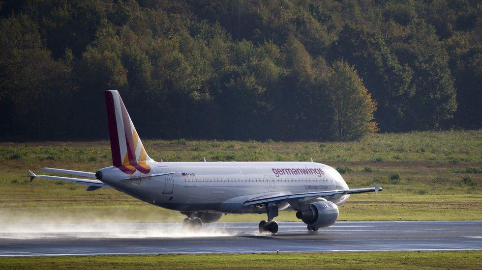 Fotografía de archivo de un avión Airbus A320 de la compañía Germanwings similar al que ha sufrido el accidente
