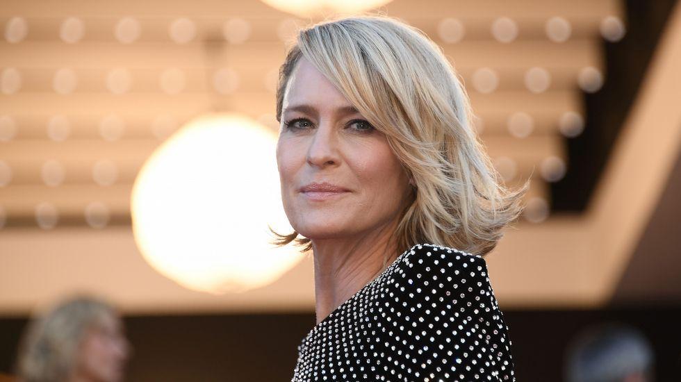 La actriz Robin Wright, que triunfa por su papel en la serie «House of cards», a su llegada a la inauguración