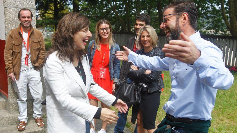 Divertido encuentro entre Yolanda Díaz (En Marea) y Ángel Mato (PSOE) y Ferrol. ¿Rivales o aliados tras el 26J?