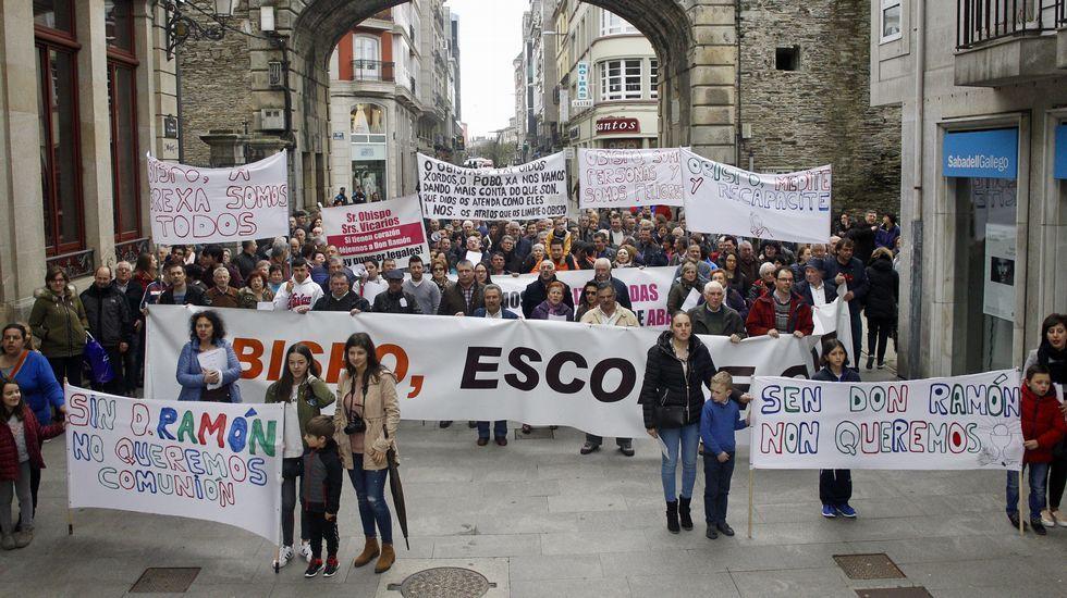 Manifestación en Lugo por el traslado de un cura