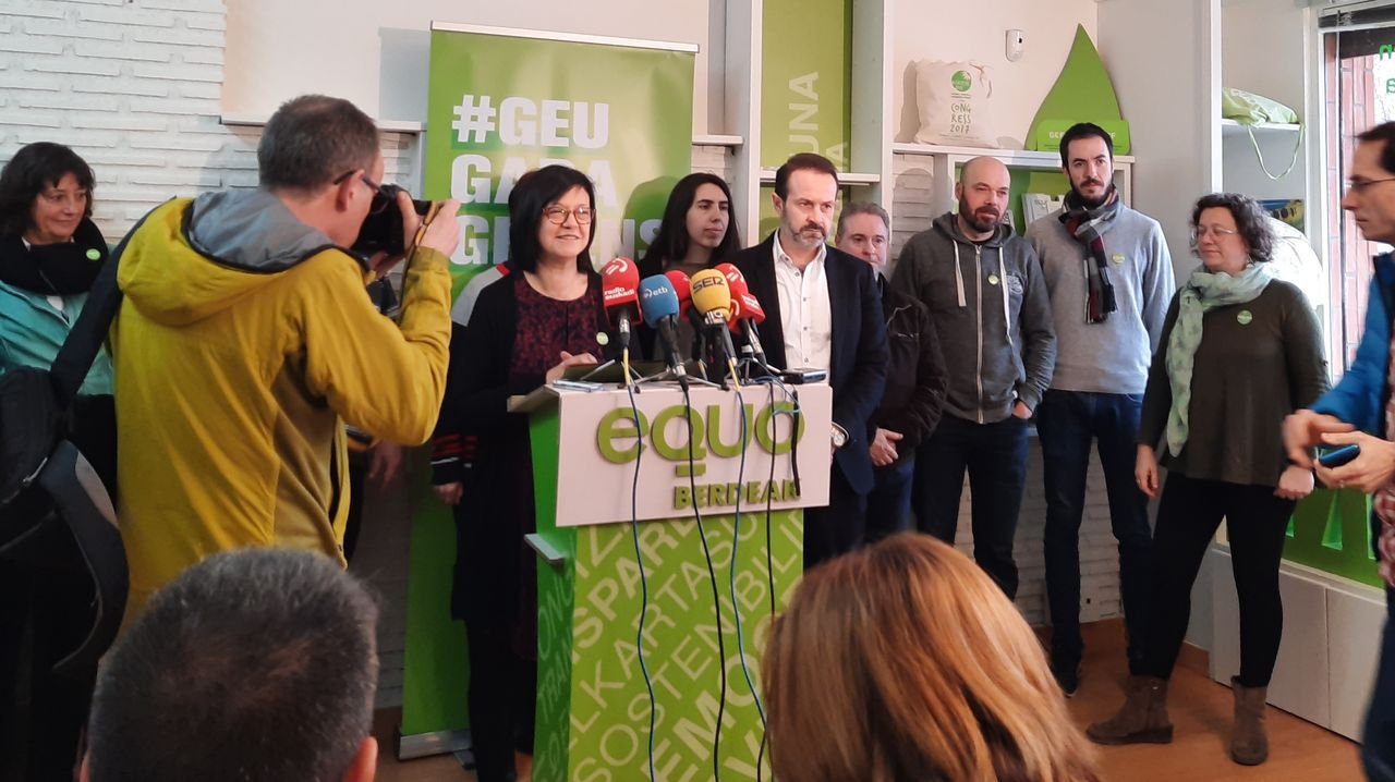El presidente Pedro Sánchez apoyó ayer en Vitoria a la candidata socialista a lendakari Idoia Mendia