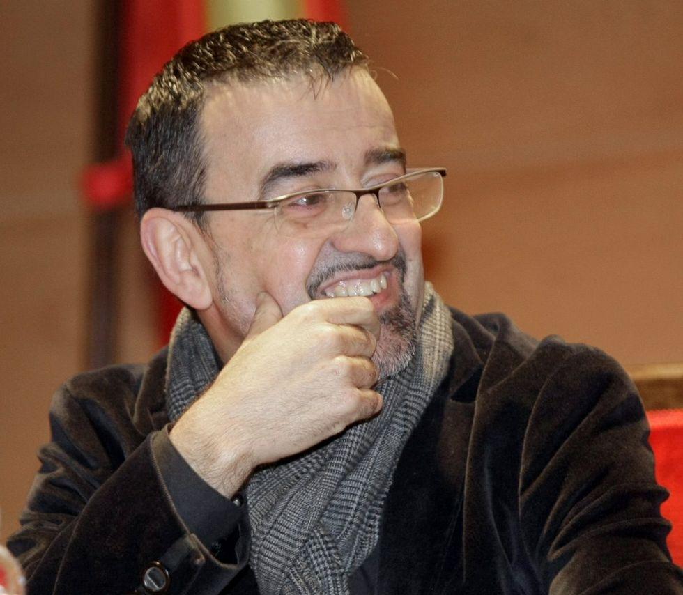 César Carnero, sacerdote .