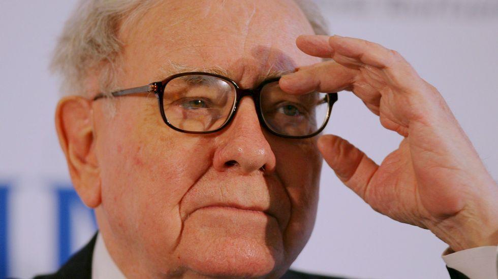 El inversor estadounidense Warren Buffett es el tercero en la lista. 72.700 millones de dólares (64.910 millones de euros).