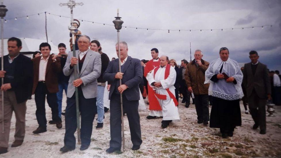 Una fotografía de la procesión de una de las últimas romerías que se celebraron en Biville