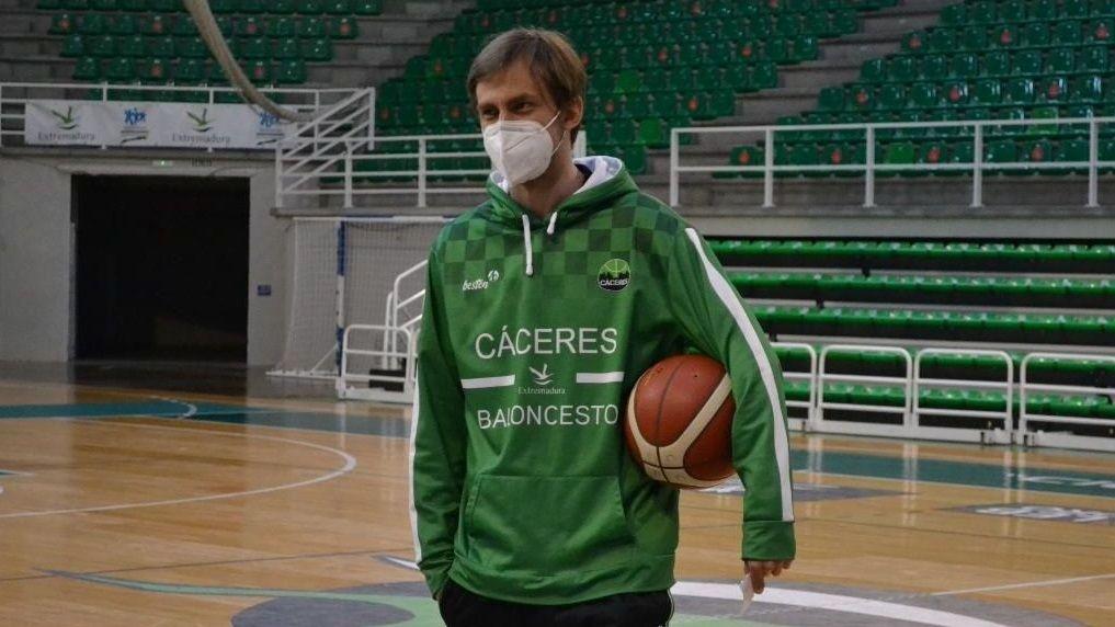 Armando Gómez trabajó en Cáceres con el primer equipo y con su filial de EBA