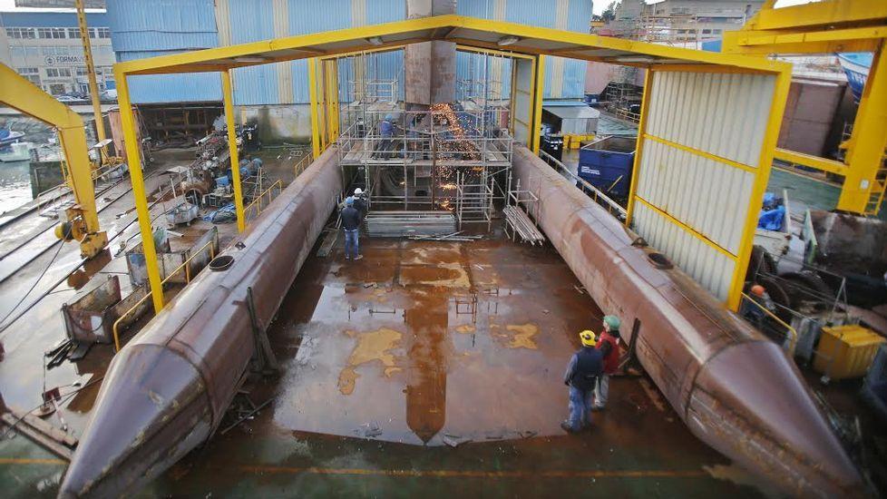 En la imagen, de archivo, el transporte de palas fabricadas en la planta de As Somozas.
