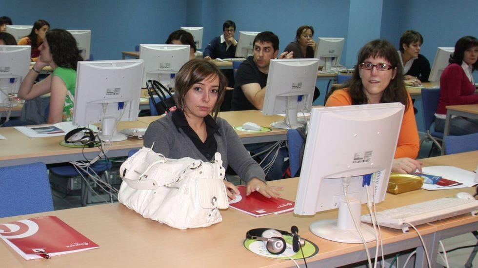 En las antiguas escuelas de Vilariño de colocarán ordenadores para uso de los vecinos