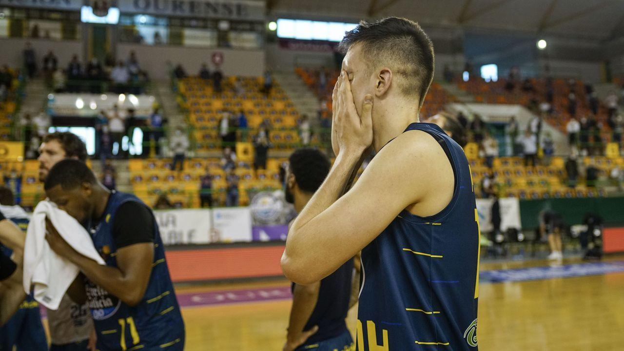 El COB desciende a LEB Plata tras perder con Murcia (77-78).Mikel Úriz pudo aumentar la ventaja con dos tiros libres, pero solo anotó uno