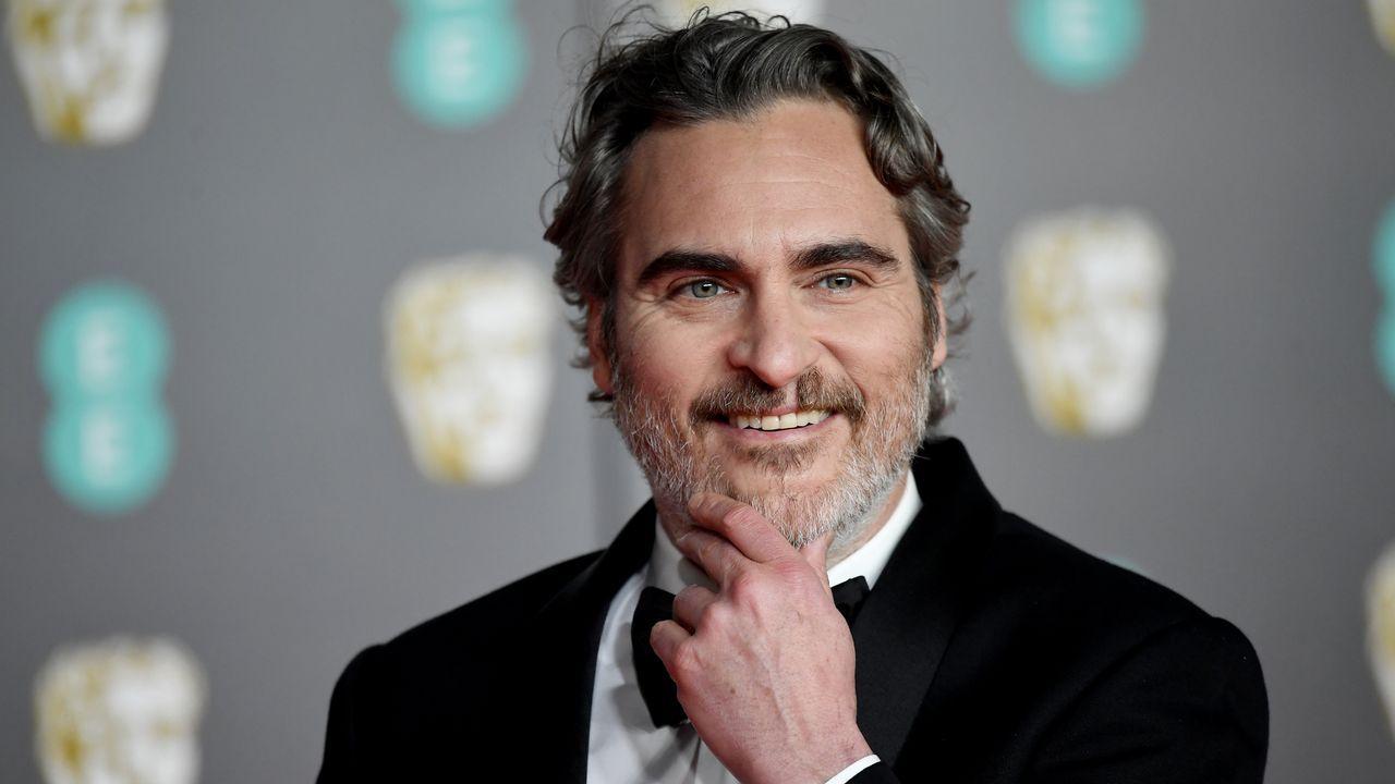 El actor Joaquin Phoenix, elogiadísimo protagonista de «Joker», llega a la gala de los Bafta