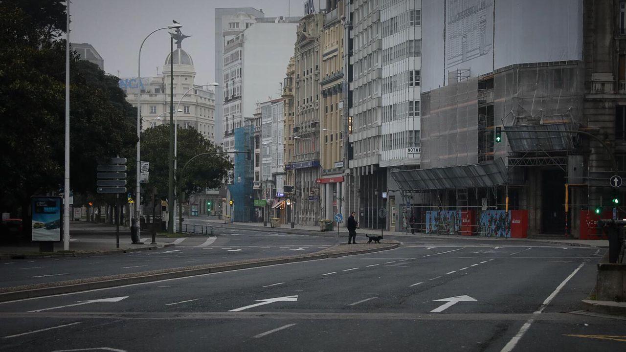 A Coruña desierta en plena semana de reclusión