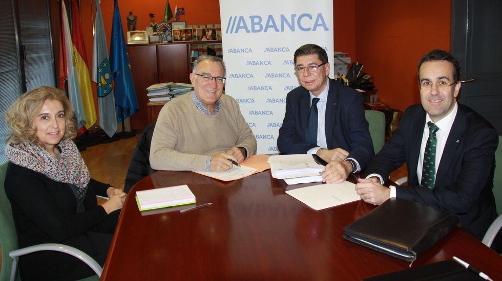 La firma del convenio tuvo lugar en O Barco