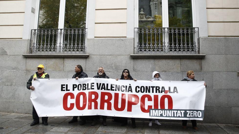 Rita Barberá tuvo que ver ese día protestas en su contra y contra la corrupción.