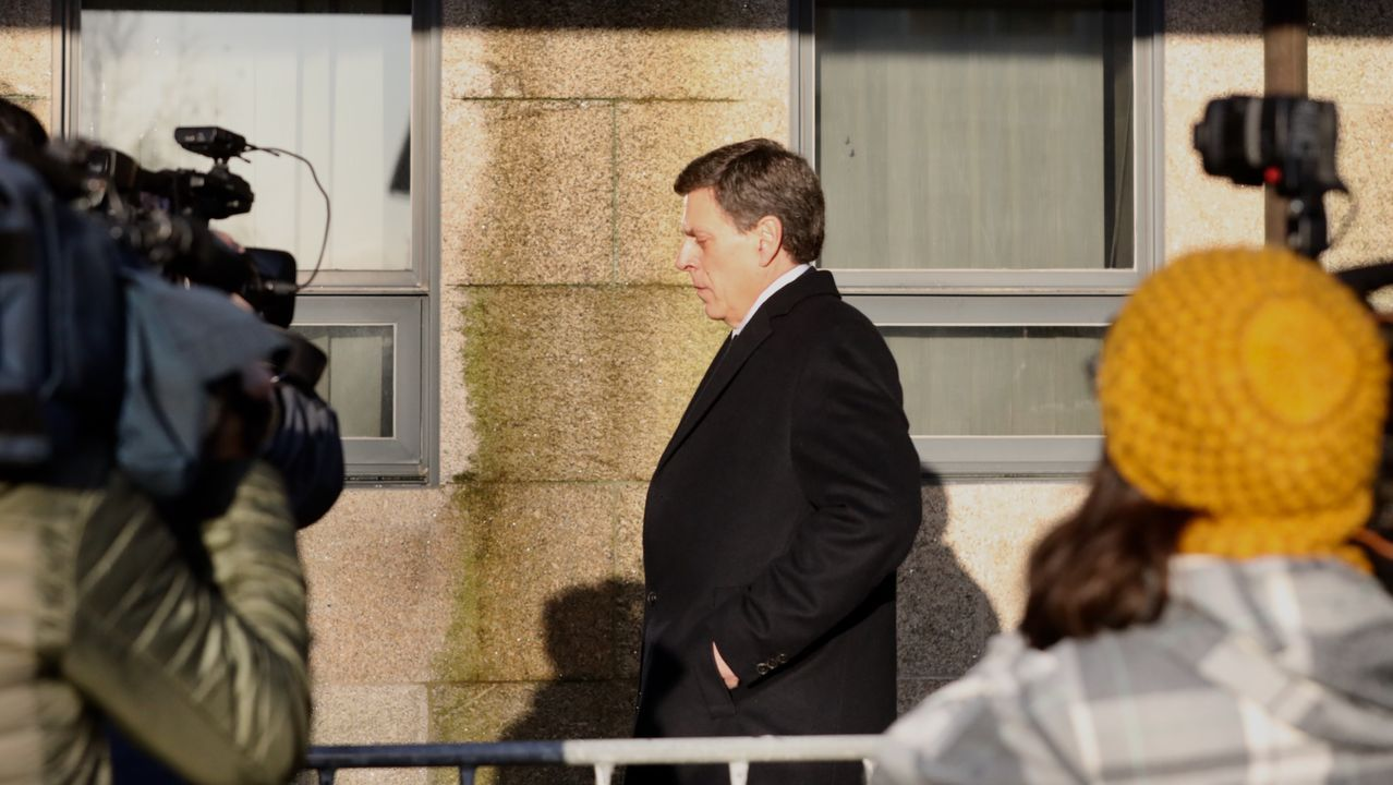 Juan Carlos Quer llegando a la octava jornada del juicio