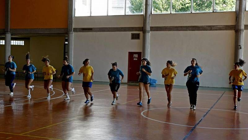 El equipo del Camariñas Encaixe antes de disputar su encuentro de liga ante el Teucro.