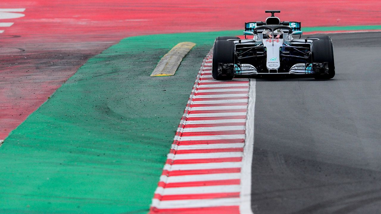 Japanese Grand Prix 2017 - Suzuka Circuit, Japan - October 6, 2017. McLaren's Fernando Alonso during practice. REUTERS/Toru Hanai