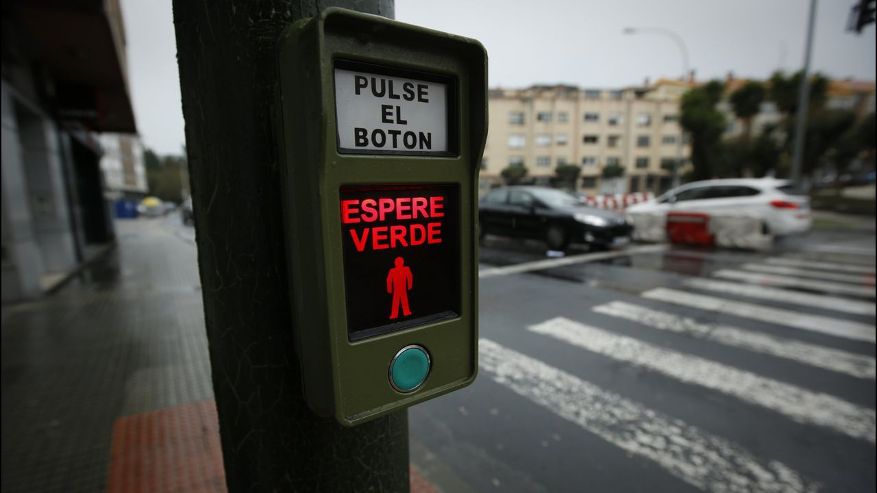TRAFICO DE ALFONSO MOLINA Y DEL PUENTE DEL PASAXE DE ATASCOS ENTRADA Y SALIDA DE LA CIUDAD.