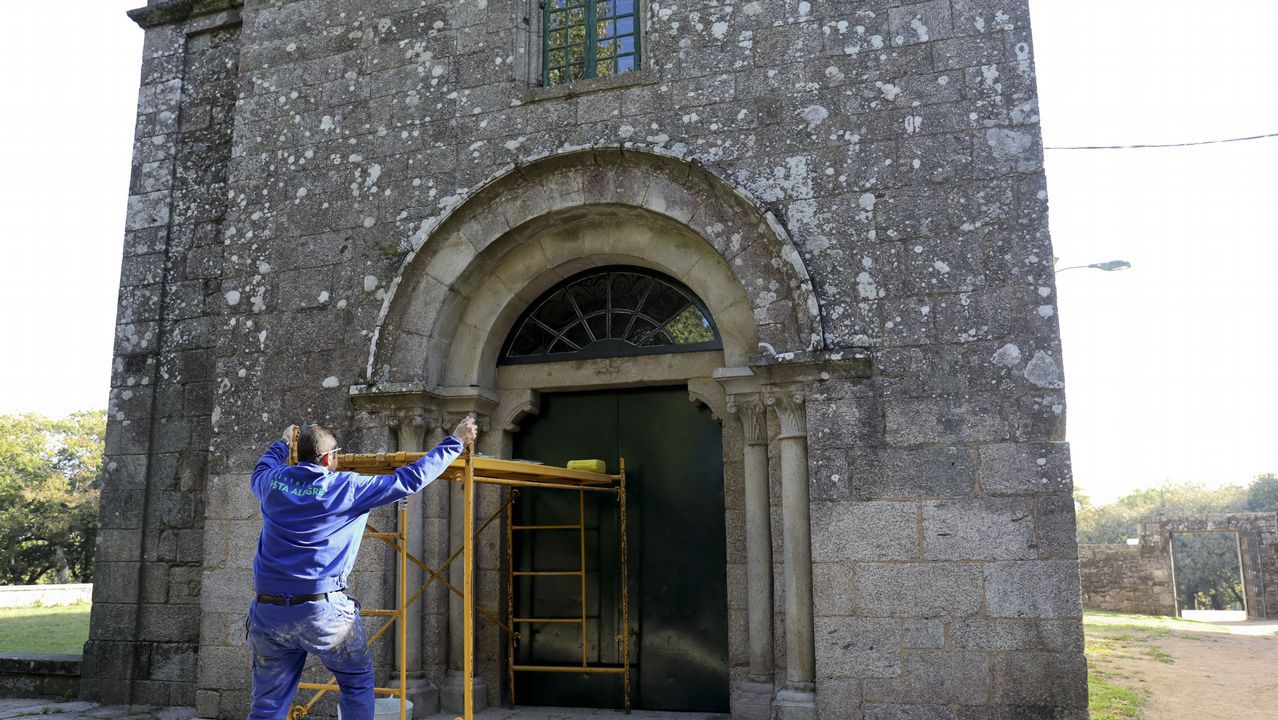 La desidia arrasa el antiguo Aero Club.Festival de la sidra en Gascona