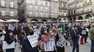 Concentración convocada por la plataforma Non ao peche da UPO, en defensa de la Universidad Popular de Ourense, el pasado mes de mayo