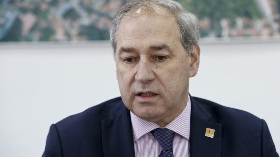 El alcalde de Monforte, José Tomé, en la sala de juntas en una imagen de archivo