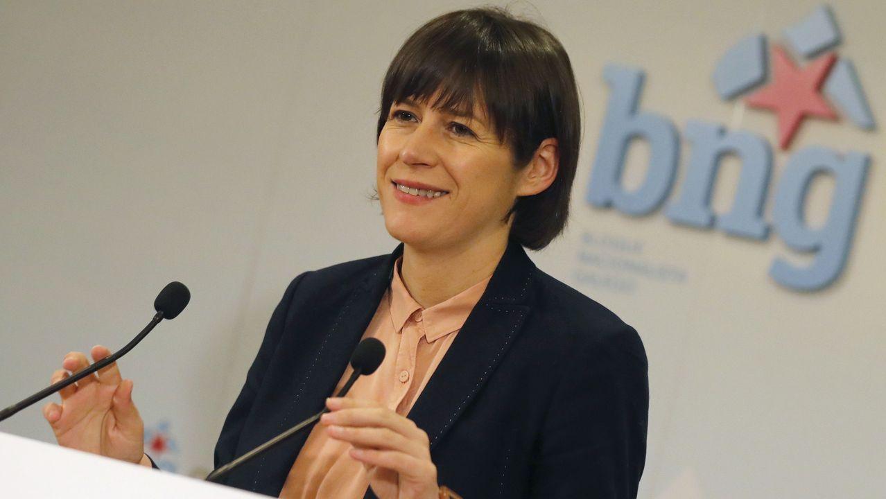 Sánchez carga contra Núñez Feijoo por «esconder» las siglas del PP.Ana Pontón, candidata del BNG a la presidencia de la Xunta, en una reunión en Santiago con cargos municipales de su partido