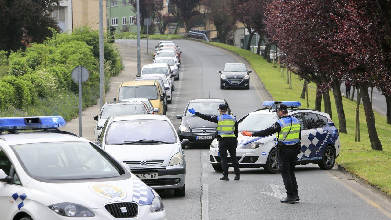 Control de la Policía Local en la Ronda del Carmen, en Lugo