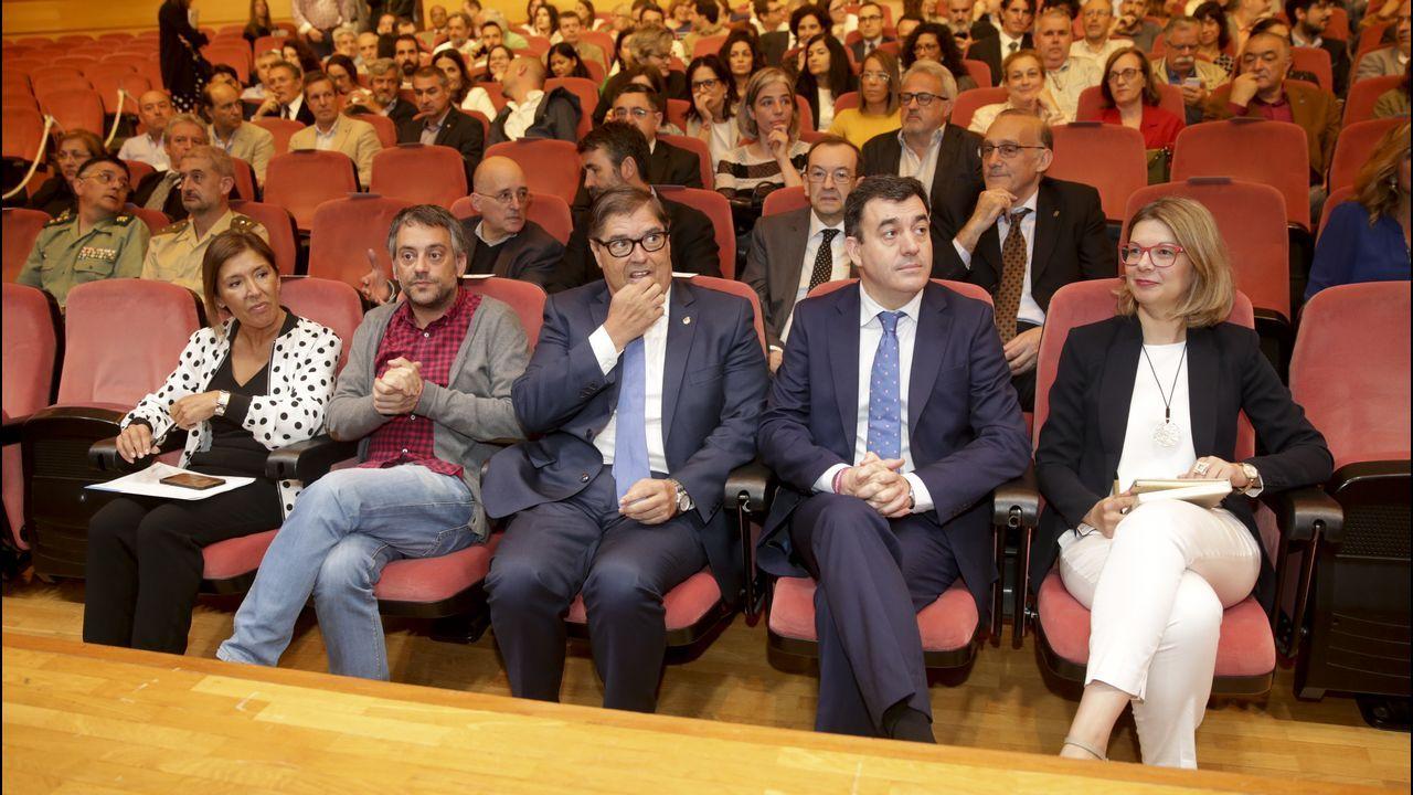 Jornadas en la Fundación Manolo Paz.Los restos mortales de Meilán Gil fueron honrados en el Paraninfo de la Universidade da Coruña