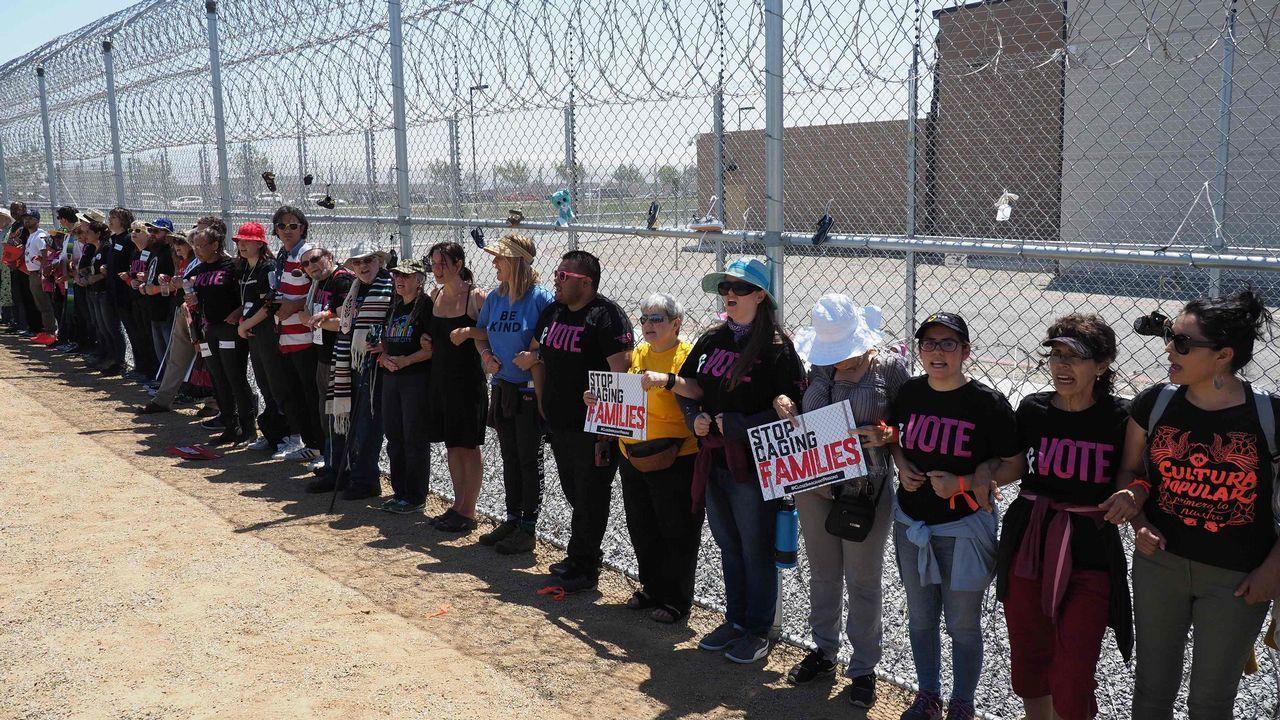 Manifestación en Texas contra la separación de familias en la frontera con México