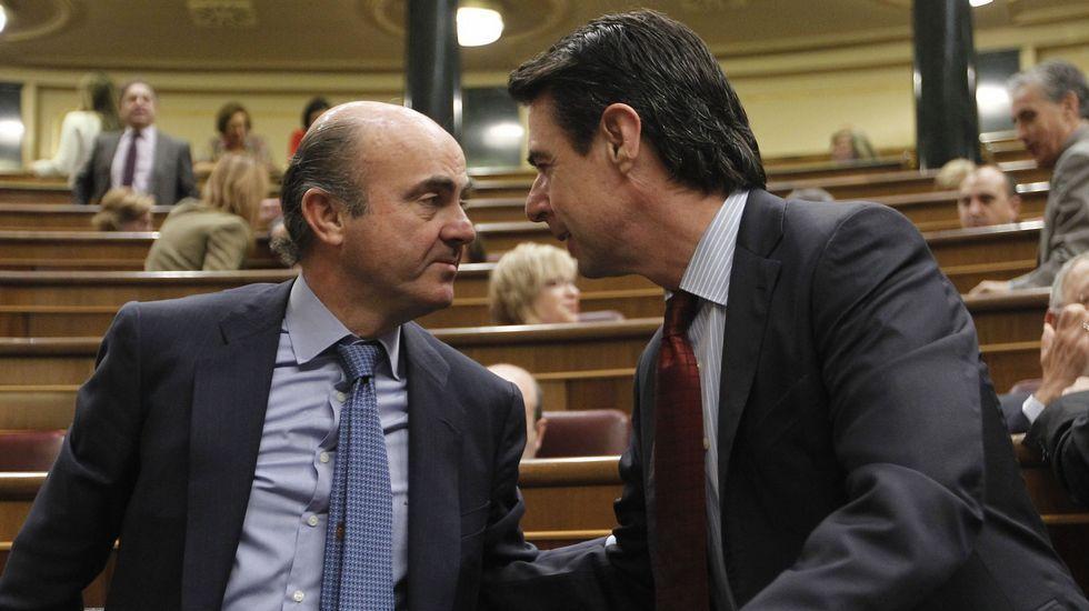 El caso Soria salpica al ministro De Guindos.De Guindos y Soria, en una imagen de archivo