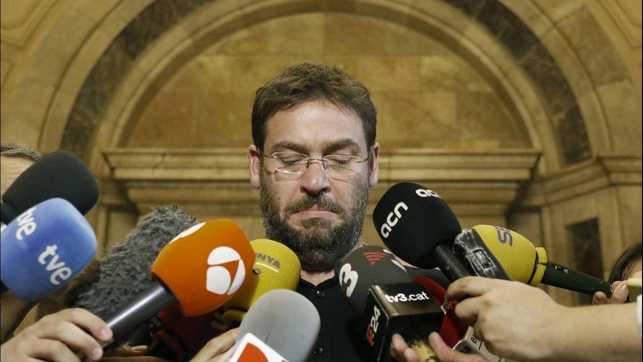 Dante Fachín acusa a Iglesias de actuar como Rajoy con el 155.Ada Colau, durante un acto esta mañana