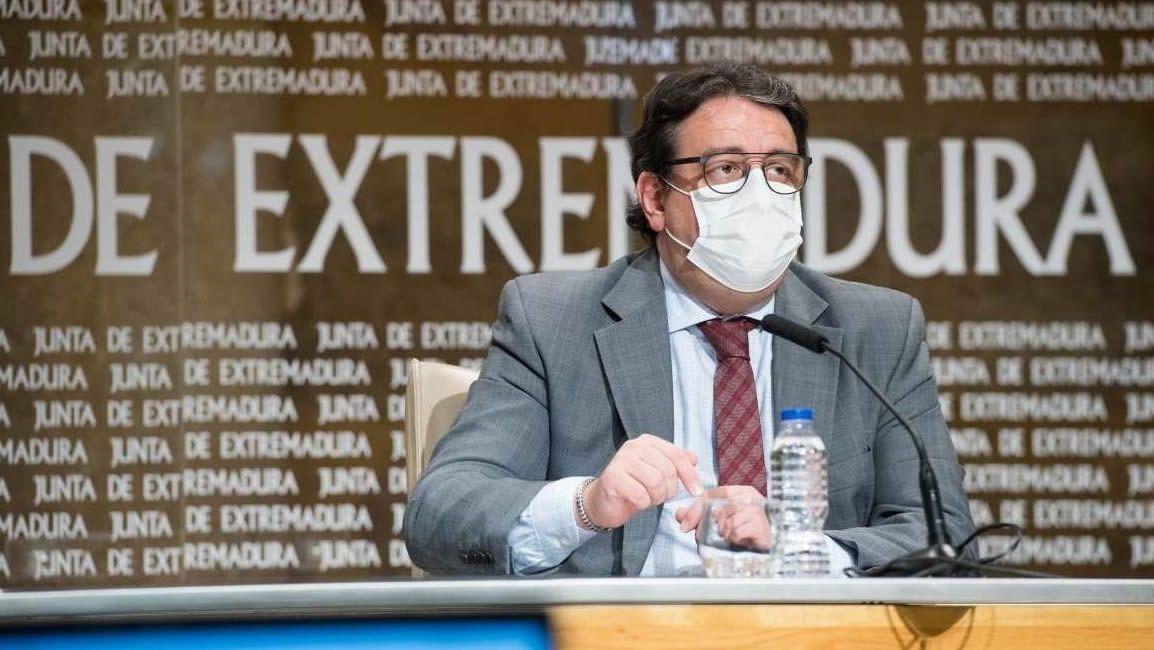 José María Vergeles es el consejero de Sanidad de Extremadura