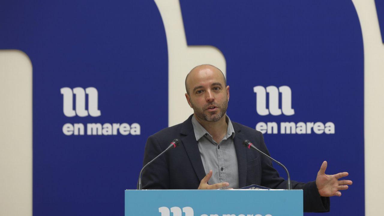 «Santiago recuperou o orgullo de cidade».Villares, con Elena Cores, integrante de la nueva coordinadora de En Marea