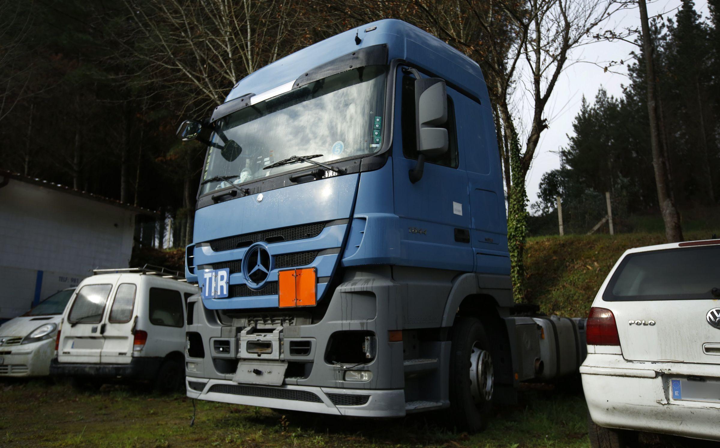 Este camión, usado para traer un alijo de heroína desde Bulgaria, se subastará