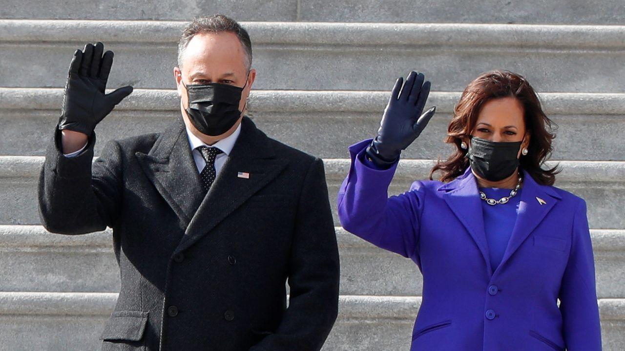 Joe Biden, 46º presidente de los Estados Unidos.La pareja presidencial y su familia observan los fuegos artificiales desde los balcones de la Casa Blanca