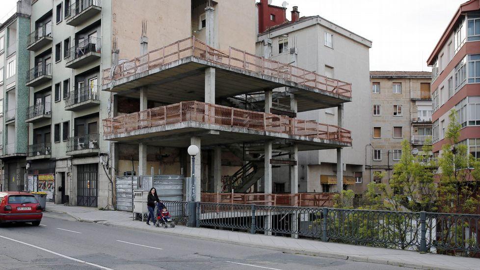 OURENSE. Sin dinero. Se proyectó como edificio de viviendas en la calle Marcelo Macías pero, con el comienzo de la crisis, la constructora se quedó sin fondos y quebró, lo que imposibilitó terminar el edificio.