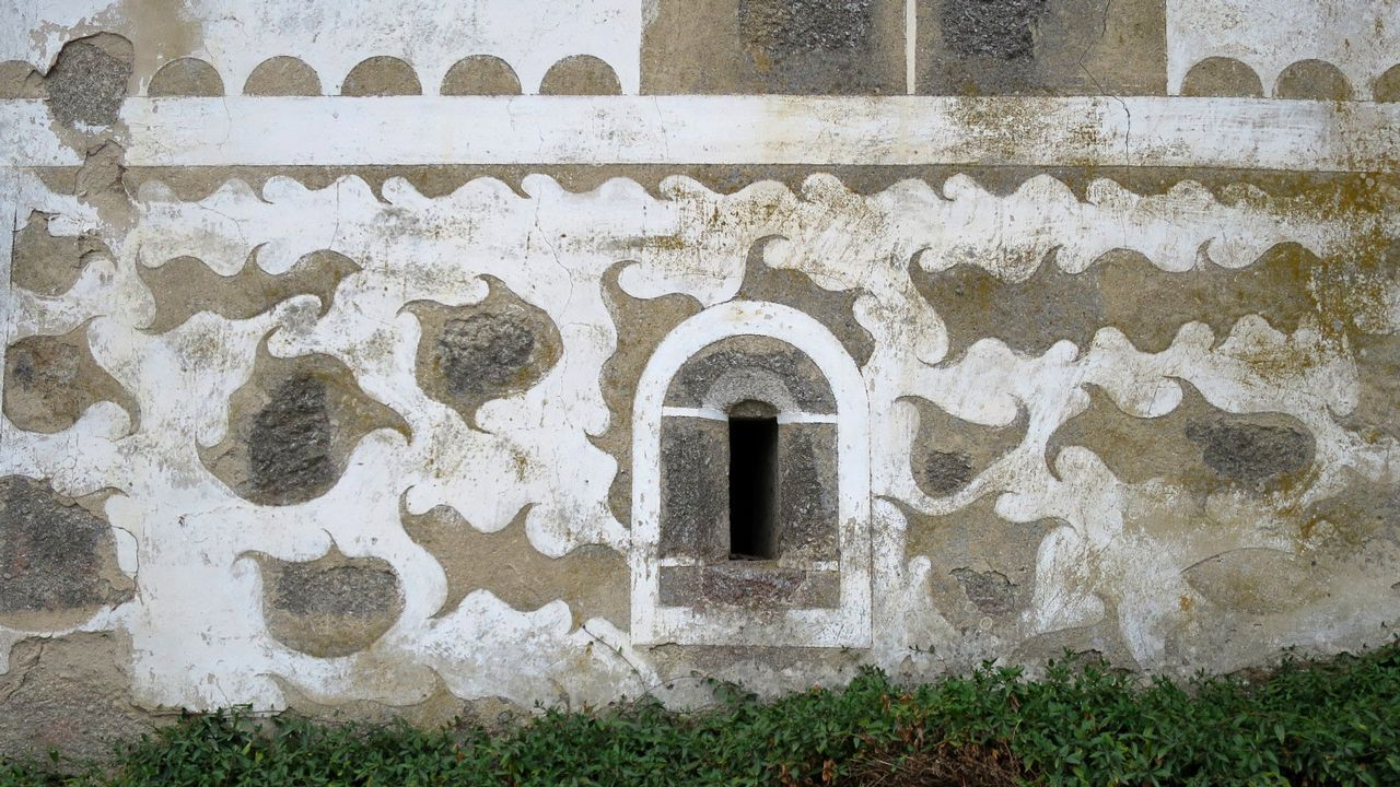 Esgrafiados en Ouriz, en la parroquia taboadesa de Cicillón