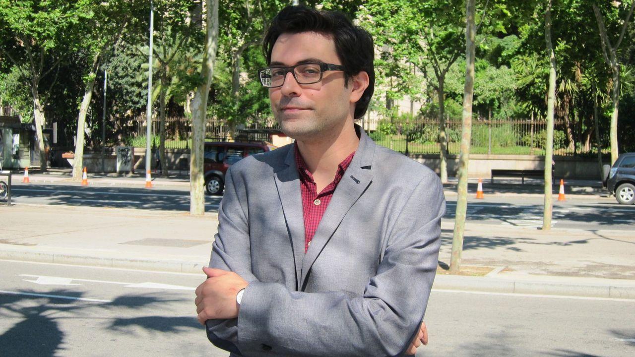 O cineasta Eloy Lozano, retratado na Coruña no ano 2001