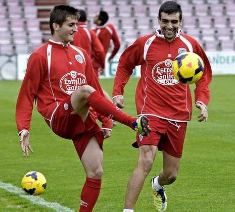 Toda la actualidad de la jornada de Segunda división.Endurit y Ernesto, en un lance del entrenamiento de ayer celebrado en el Ángel Carro.