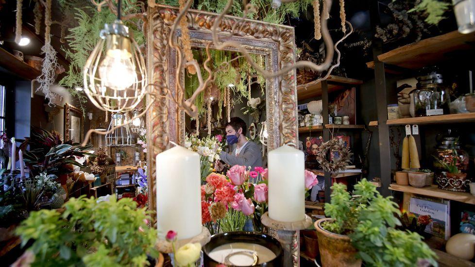 Índigo o el jardín de las delicias.Javier Gutiérrez protagoniza «Reyes de la noche»