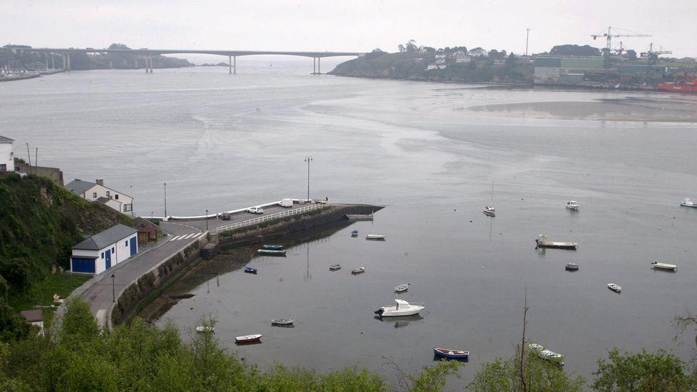 El helimer de Salvamento Marítimo de Gijón.Ría del Eo desde Castropol