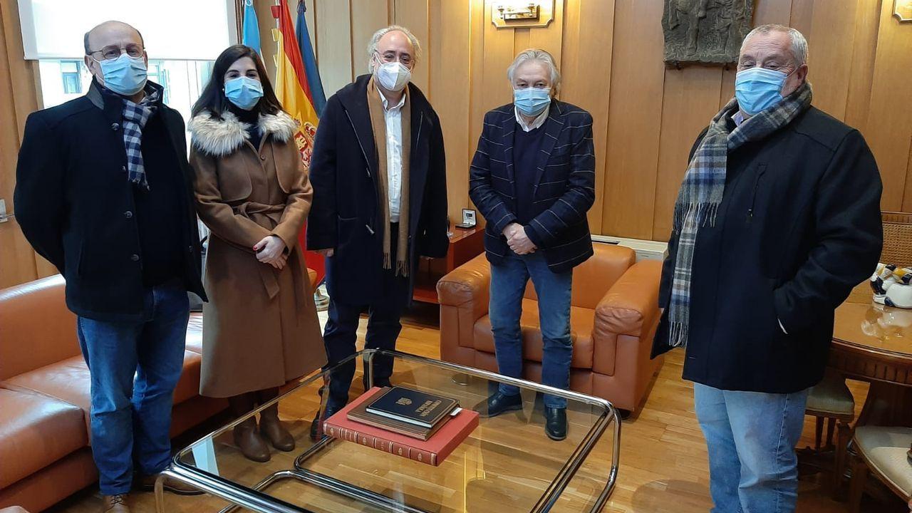 Reunión del subdelegado del Gobierno con diputados y senadores del PSOE