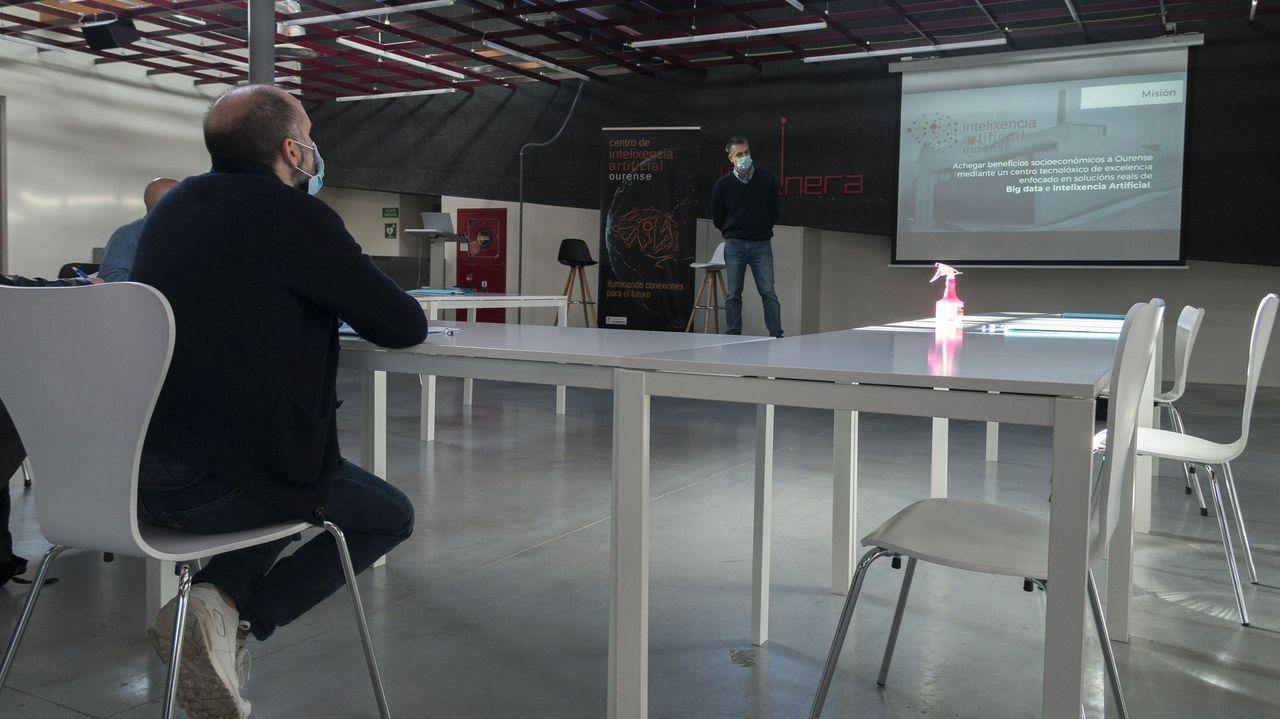 Jácome, en el centro de inteligencia artificial de Ourense