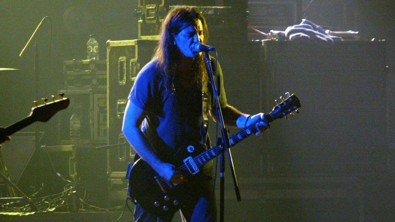 Boni, en un concierto de Barricada en Lugo en el año 2003
