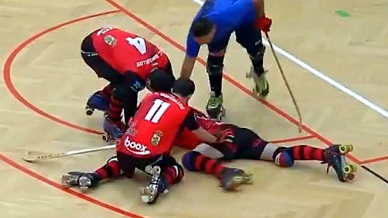 Brutal agresión con el stick en un partido de hockey.Defensor del Pueblo