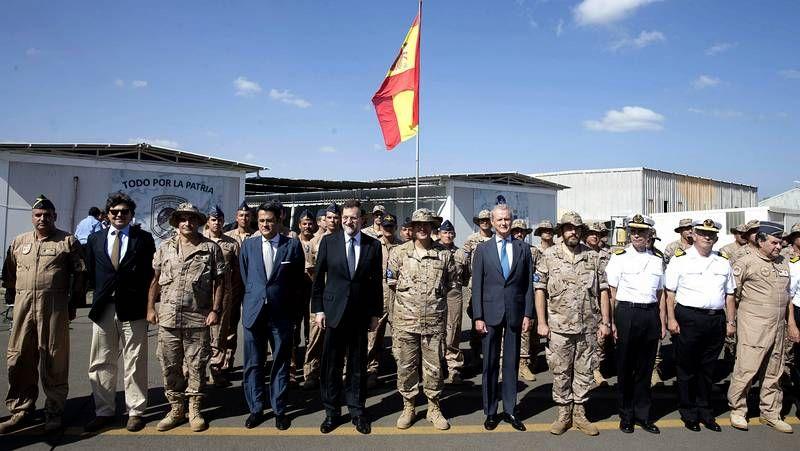 Rajoy destaca la labor de las tropas españolas en África contra la piratería.La organización del congreso rebautizó al presidente del Gobierno como Mariano «Rayor»