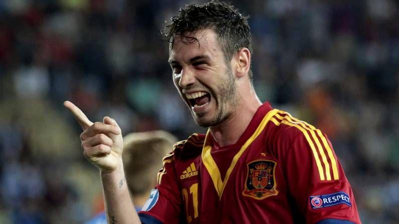 Álvaro Vázquez celebra el 3-0 de España a Holanda